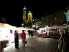 Nächtlicher Marktplatz