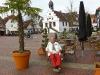 Auf dem Marktplatz mit Rathaus in Lingen/Ems.