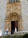 Eingangsportal der Kirche