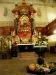 .... mit herbstlich geschmücktem Altar.