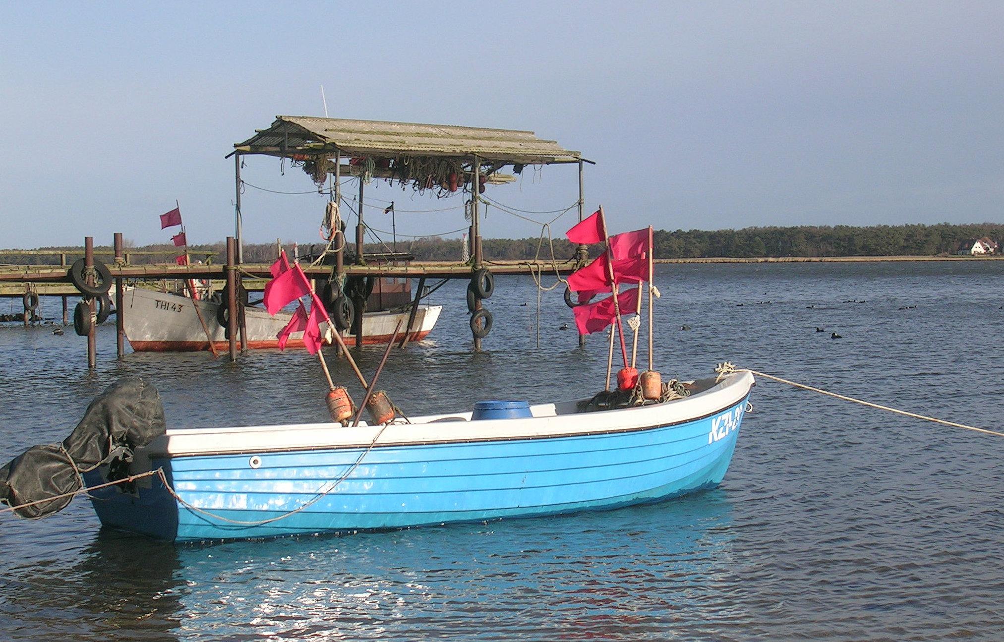 Fischerboot am Göhrener Südstrand