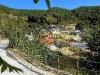 Vorbei am Dorf Petalia