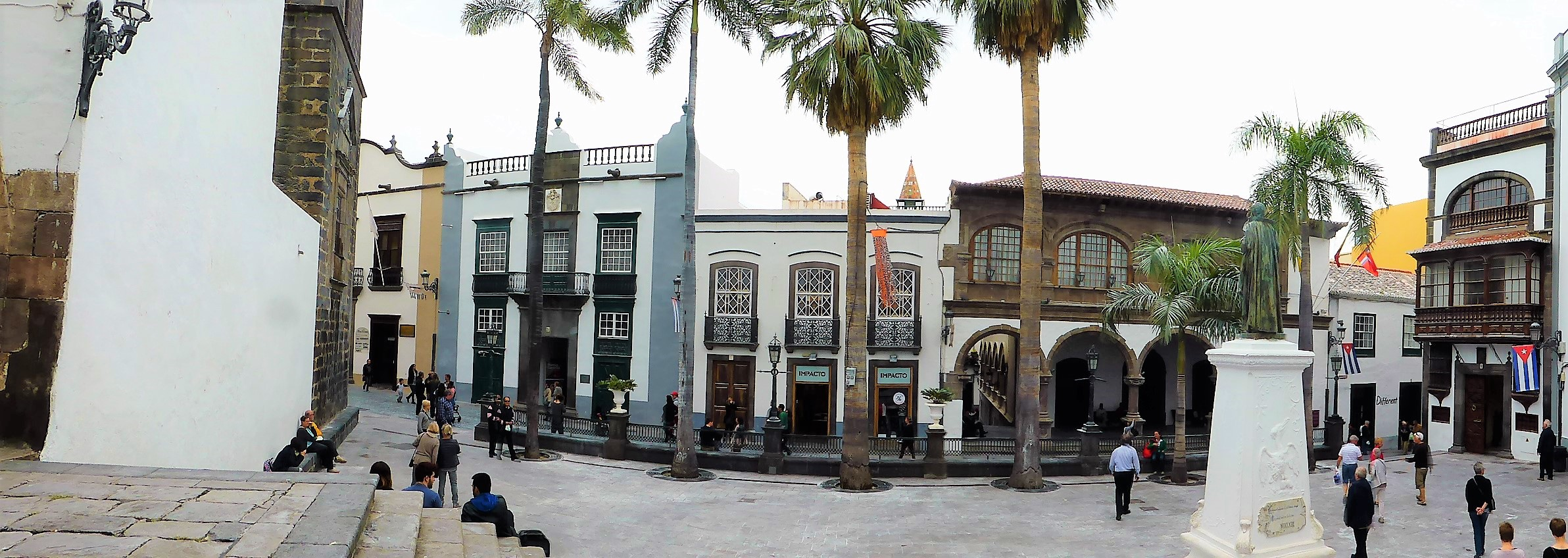 St. Cruz, Plaza Espana