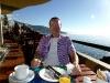 Frühstück auf der Hotelterrasse