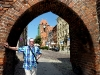 Blick durch die Stadtmauer zum Dom