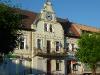 Rathaus im Zentrum von Nikolaiken ....