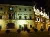 Das nächtlich beleuchtete Rathaus