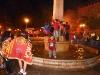 Glückliche Fans im Brunnen