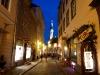 Altstadtgasse mit Rathaus