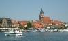 Waren - Marienkirche mit Hafen